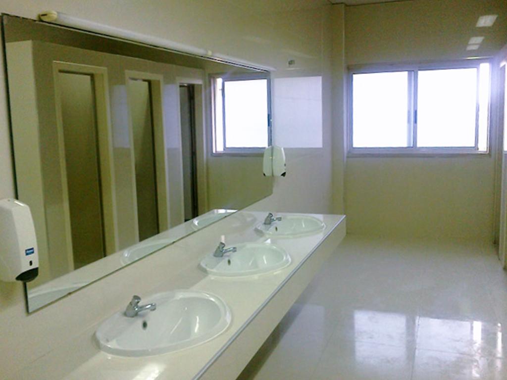 Lispolis  2014  Remodelação de duas Instalações Sanitárias na Lispolis