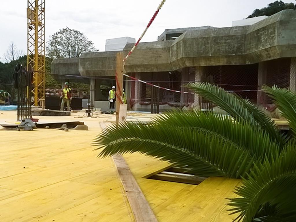 """Edifício Caleidoscópio - 2015   Intervenção com Betão à vista num dos mais emblemáticos edifícios de Lisboa incluindo uma """"pala"""" com estereotomia com 70cm de espessura."""