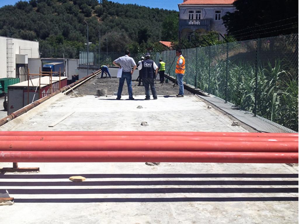Continente - SONAE  2014 Santarém  Manutenção de acessos e construção zona resguardada.