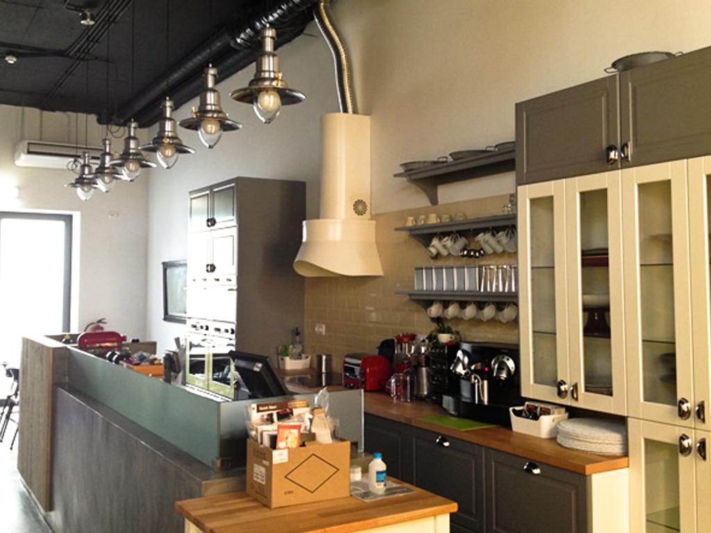 """Pastelaria Campo de Ourique  2013 Remodelação total de espaço comercial, incluindo todo o equipamento hoteleiro. Obra entregue do tipo """"chave na mão""""."""